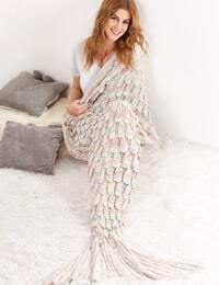 Multicolor Textured Fish Tail Knit Mermaid Blanket