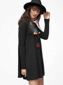 Kleid mit Hohem Taille Quaste Schleife Stickereien Kragen-schwarz