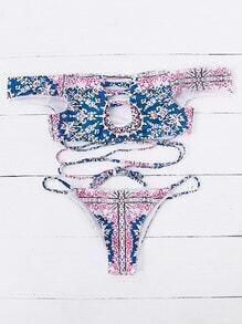Set bikini cruzado con hombro al aire estampado étnico - rosa
