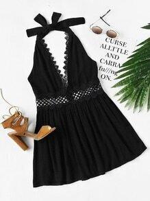 Kleid mit Neckholder, Spitzen und Aushöhlen