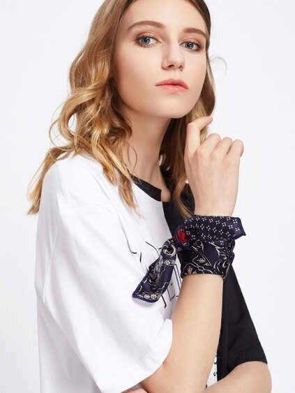Graphic Print Satin Bandana