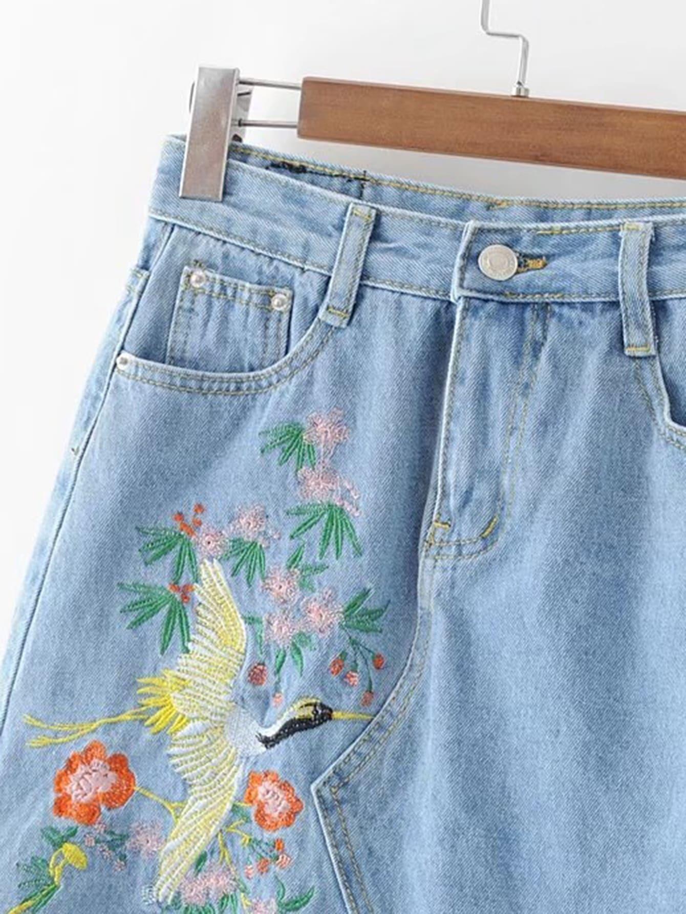 jupe moulante en jeans avec pan broderie. Black Bedroom Furniture Sets. Home Design Ideas