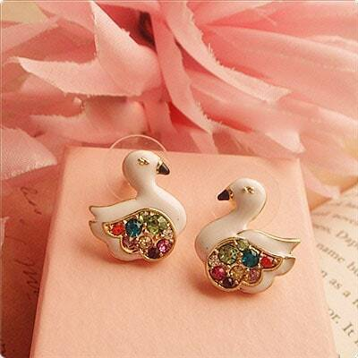 Pussy Swan Colorful Diomand Earring