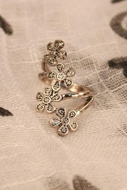 Four Flowers Silver Ring
