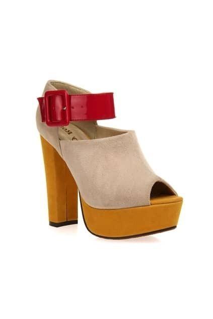 Peep Platform Cream-coloured Sandal