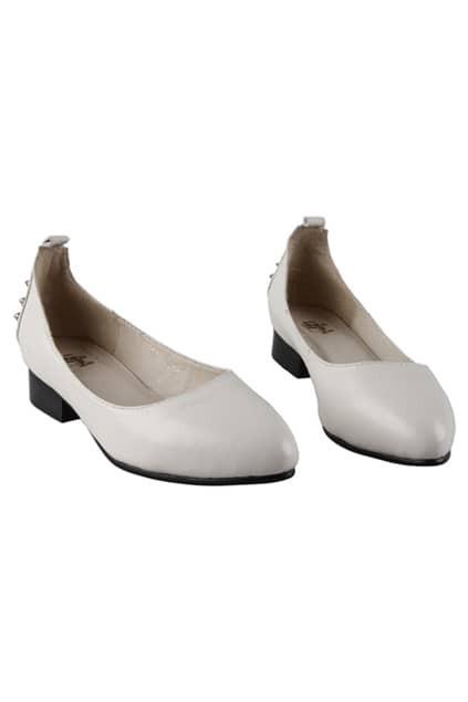 Cream Rivets Flat Shoes