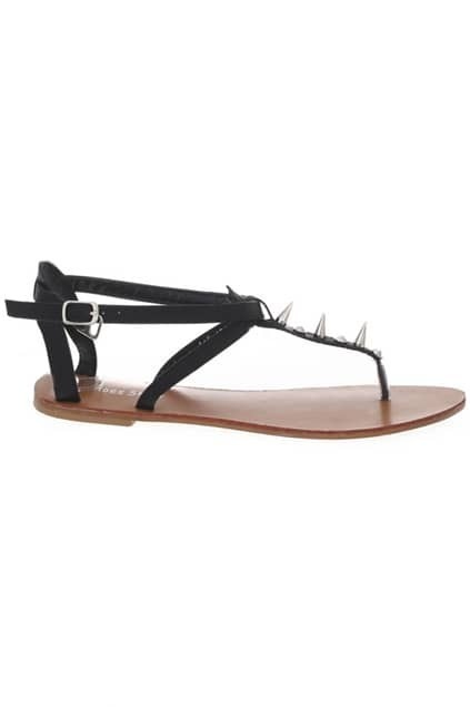 Point Rivets Thong Flat Sandals