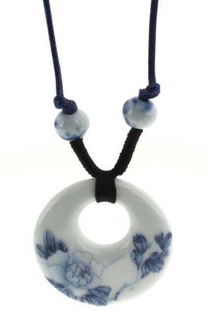 Roundness Peony Ceramic Pendant Necklace