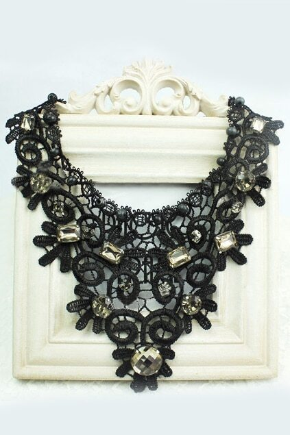 Hollow-out Jewel Black Necklace
