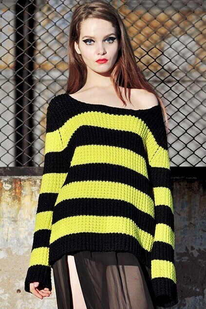 Loose Strip Black-yellow Jumper