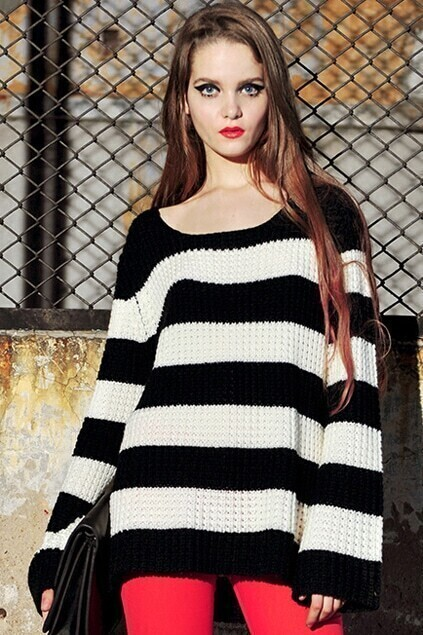 Loose Strip Black-white Jumper