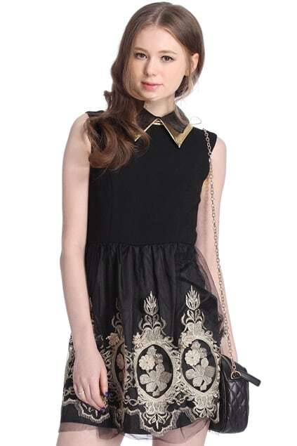 Zippered Flower Embroidered Pleated Black Dress