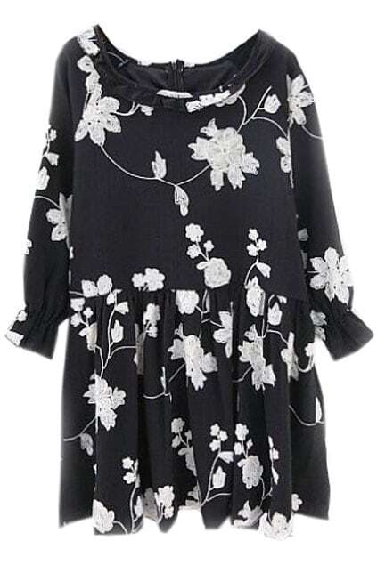 Floral Embroidery Pleated Black Dress