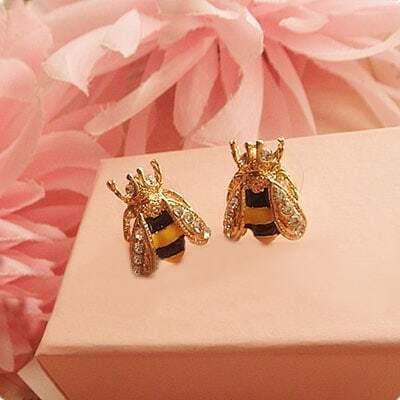 Cool Honeybee styling Earrings