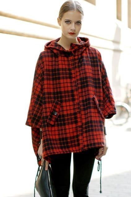 Batwing Latticed Crossed Red-black Hoodie Cape