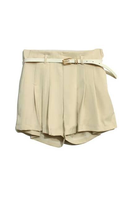 Oversized Flouncing Cream Shorts