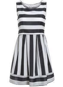 Round Neck Striped Flare Sun Dress