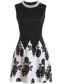 With Pearl Flower Print Black Dress