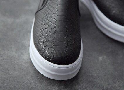 Black Snakeskin Pattern Flats