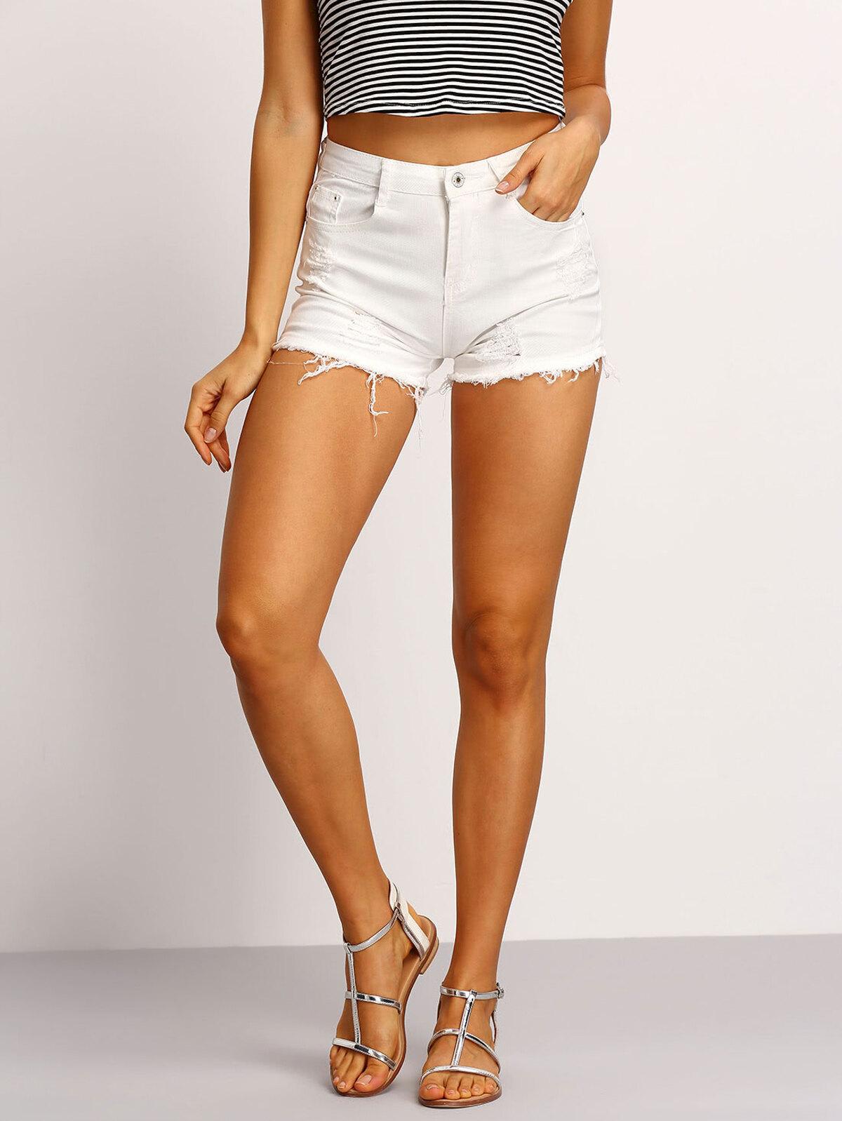 磨損的 白色 牛仔布 短褲