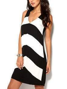 V-Neck Black White Chevron Print Sleeveless Dress
