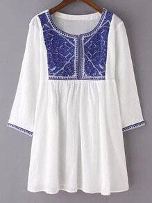 White Round Neck Embroidery Blouse