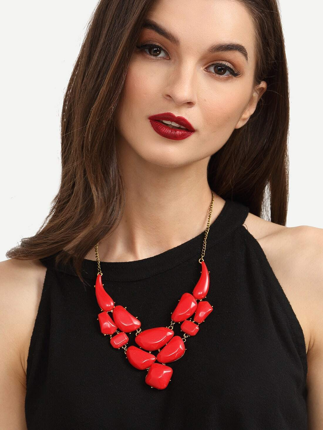 Collier avec pendentif en faux gemme rouge french romwe for Interieur paupiere inferieure rouge