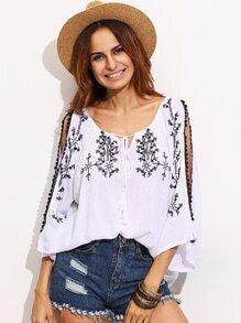 Blusa hombro con abertura bordada - blanco