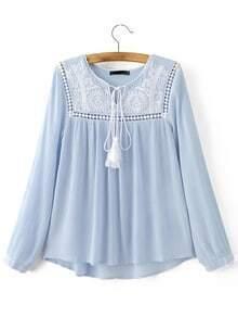 Blusa bajo asimétrico cuello croché cordón - azul