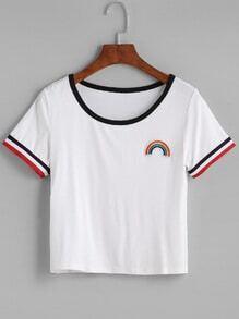 Camiseta ribete en contraste arco iris bordado - blanco