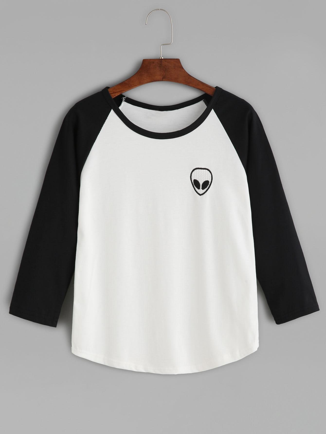 Black Alien Print Raglan Sleeve Curved Hem T-shirt