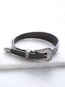 Cinturón de cuero sintético con hebilla tallada - negro
