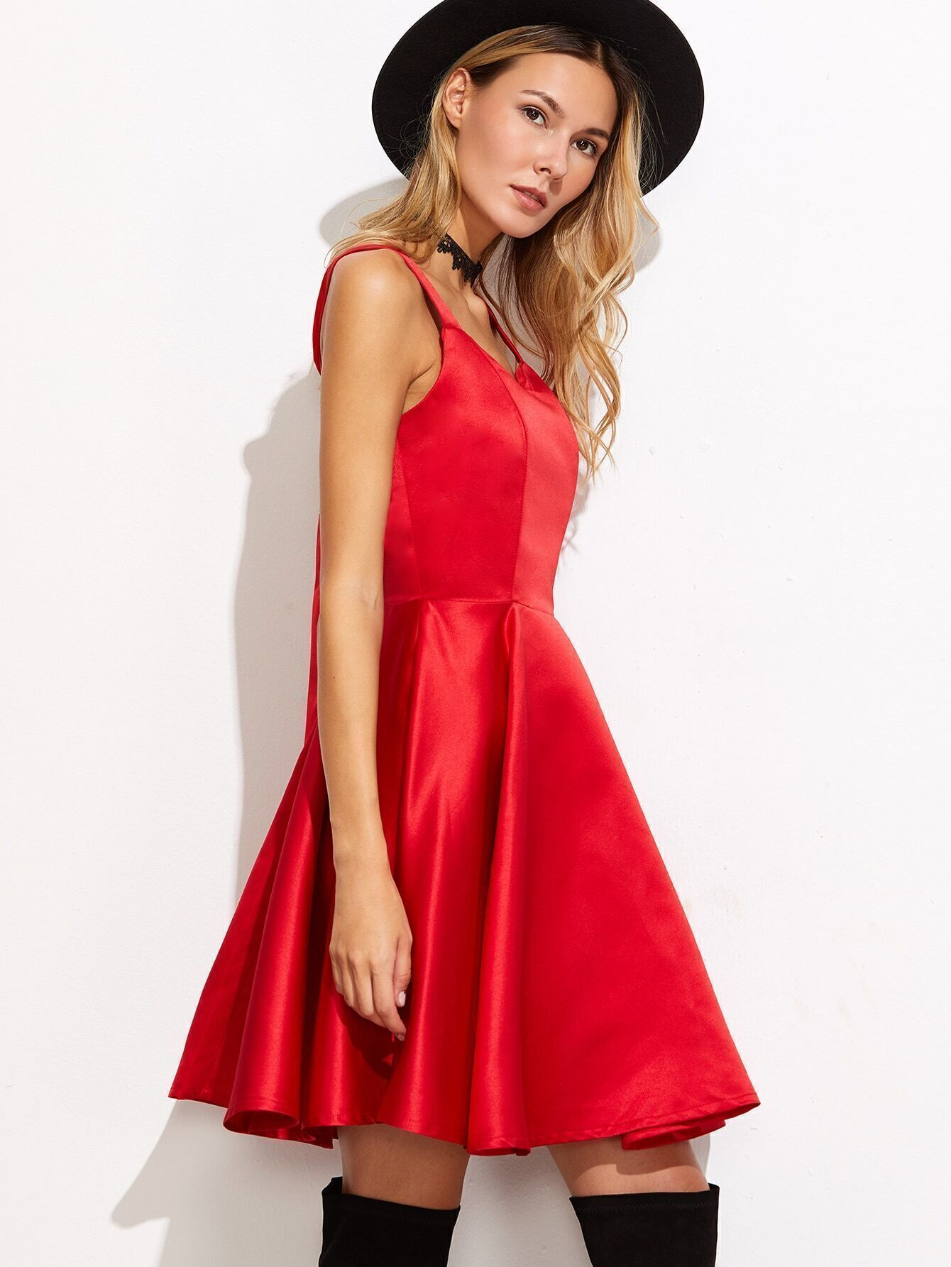 Robe evasee dos avec lacet noeud papillon rouge french romwe for Robe rouge évasée