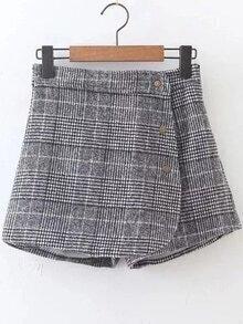 Falda a cuadros con cremallera lateral y botones