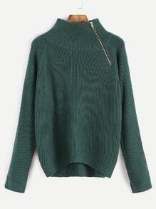 Jersey asimétrico con cuello alto con detalle de cremallera - verde oscuro