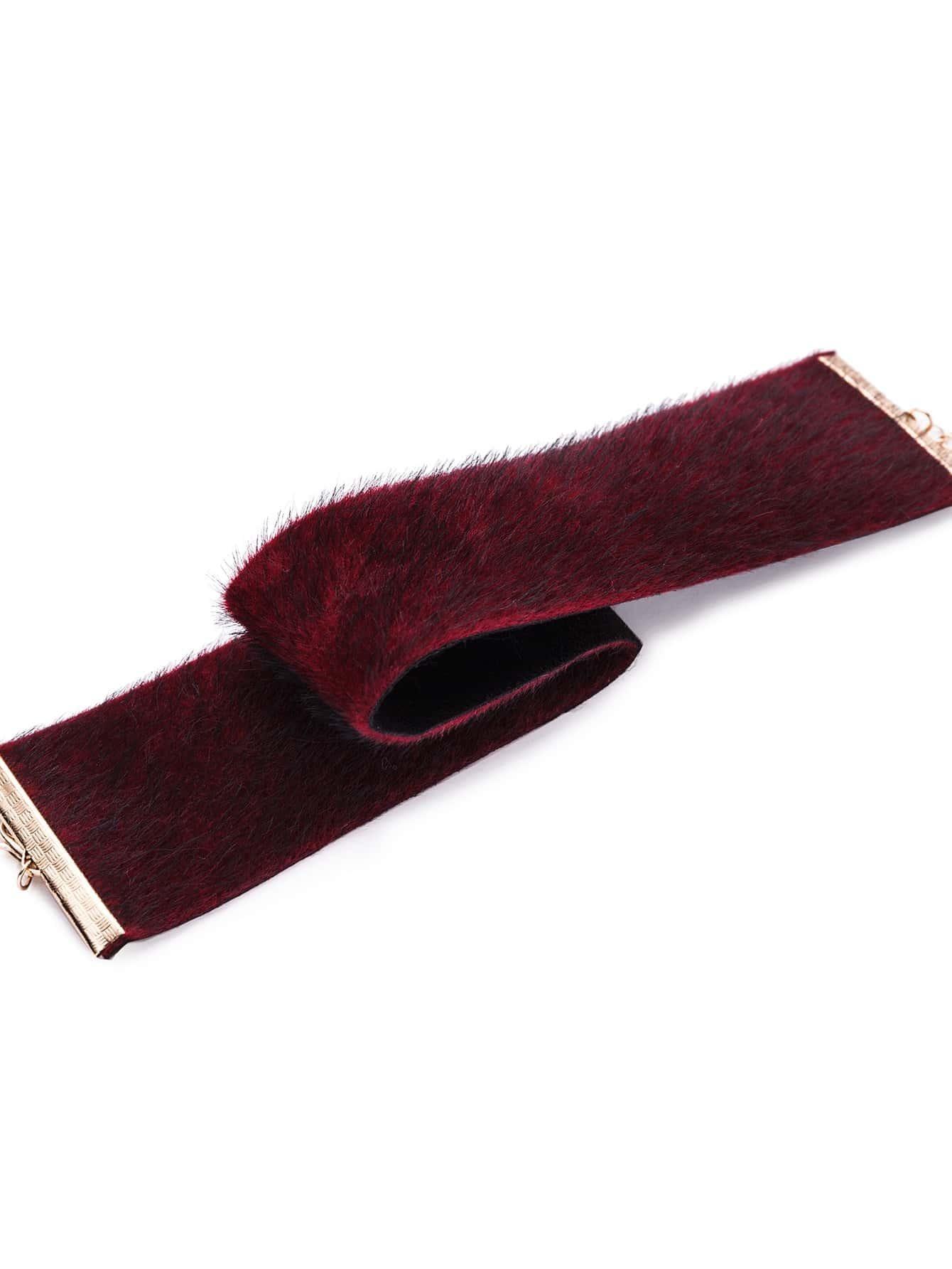 Collier large en fausse fourrure bordeaux rouge french for Interieur paupiere inferieure rouge