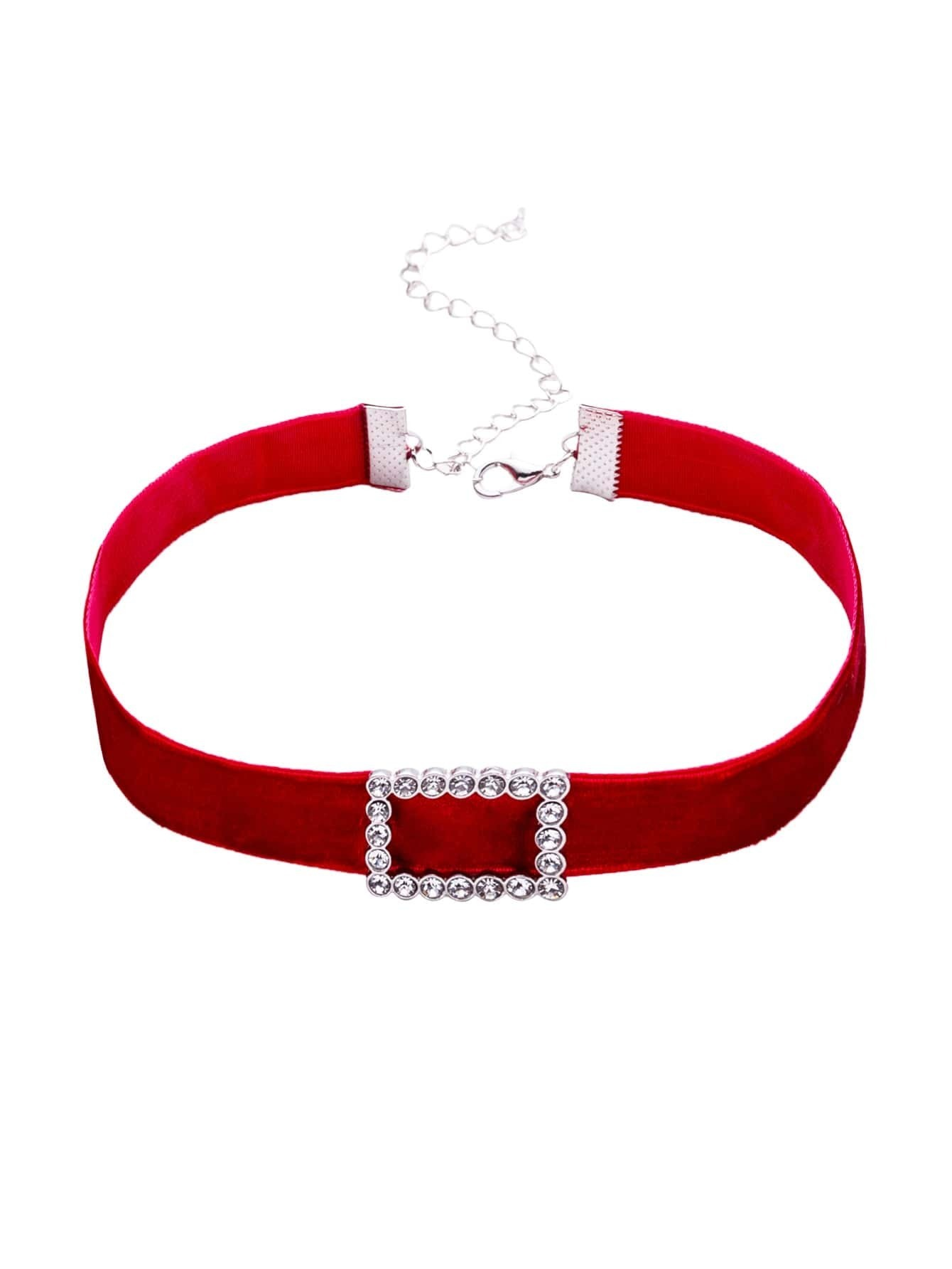 Collier ras du cou velours rectangle strass rouge french for Interieur paupiere inferieure rouge