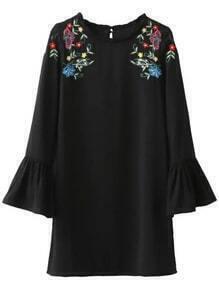 Vestido de manga acampanada y bordado floral - negro