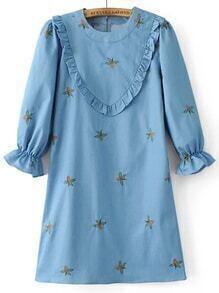 Vestido recto con bordado y volantes - azul