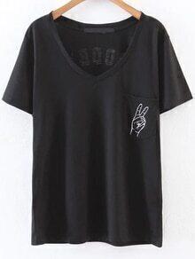 schwarze buchstaben print / hals - t - shirt mit tasche