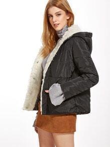 Abrigo guateado con piel sintética - negro