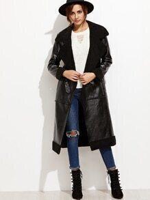 Abrigo con hebilla y piel sintética - negro