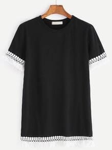 T-shirt à encolure en crochet noir