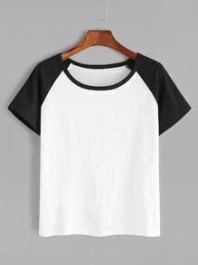 Camiseta de manga corta raglán en contraste