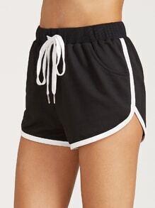 Pantalones cortos con cordón en la cintura - negro
