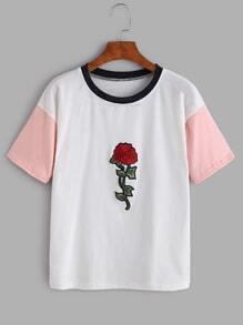 Camiseta con bordado de rosa - color block