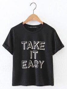 Camiseta con vuelta estampada de letras-negro