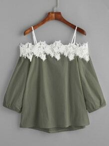 Army Green épaule froide Applique Top