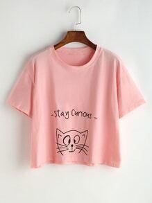 T-shirt rose d'impression de lettre et de chat