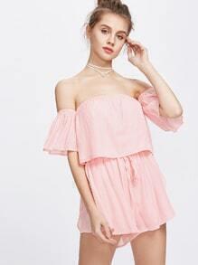 Camiseta con hombros al aire y patalones cortos con cordón-rosa